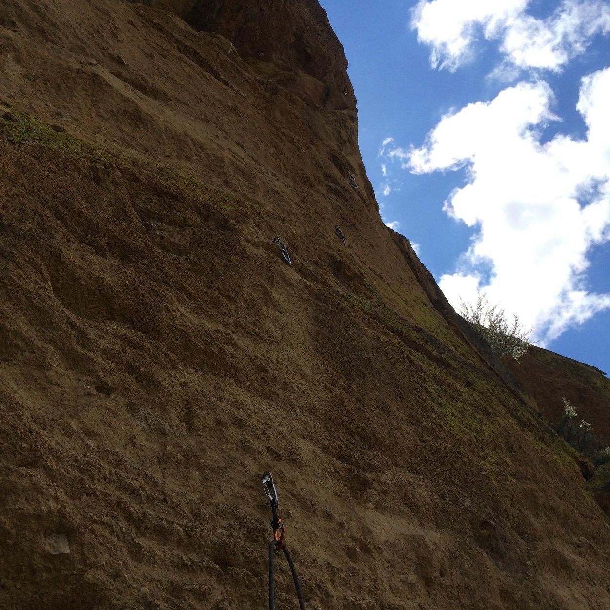 tuff-shit-smith-rock-climbing